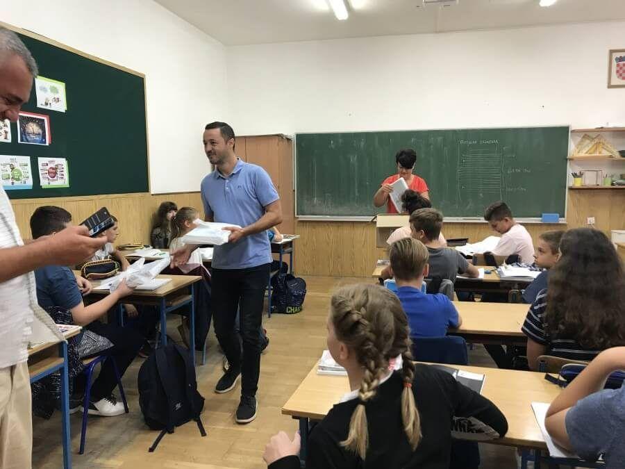 Valpovo: 300 kuna jednokratne potpore za osnovnoškolce