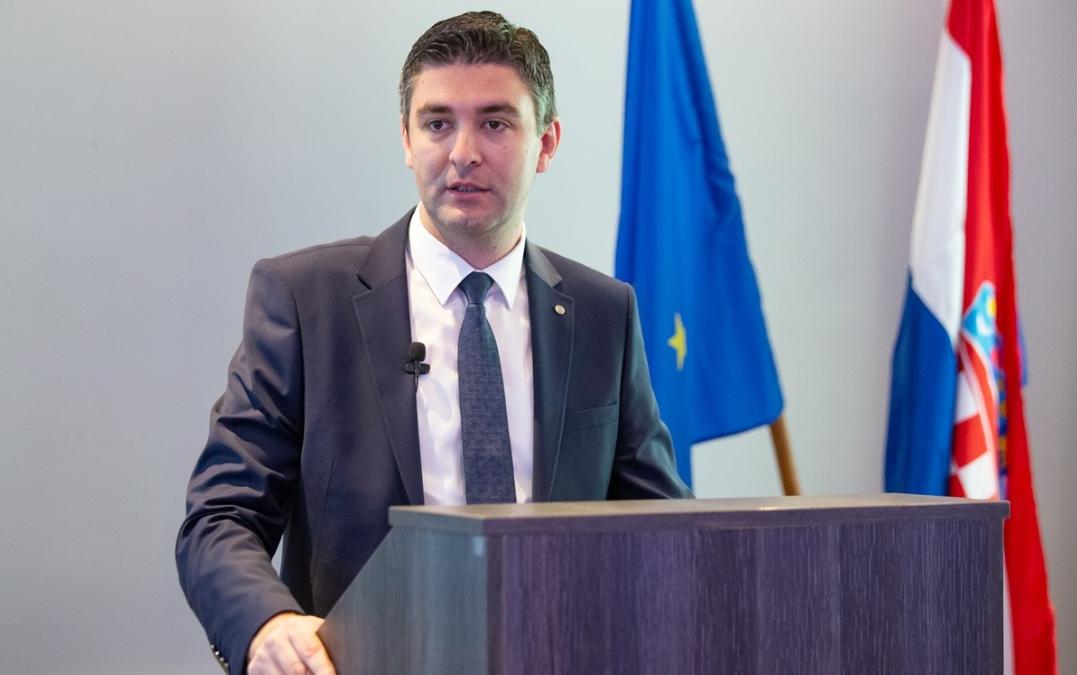 Dubrovnik: Rekordan broj prijava za sufinanciranje udžbenika srednjoškolcima, u proračunu osigurano 700 tisuća kuna