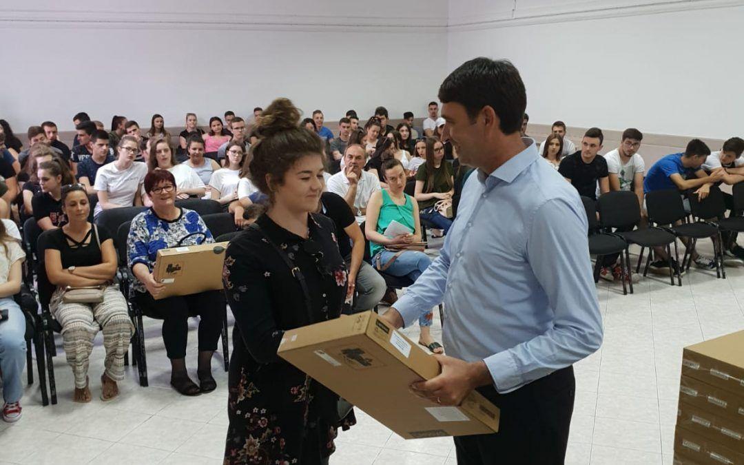 Imotski: Za nagrade maturantima izdvojili 240.000 kuna