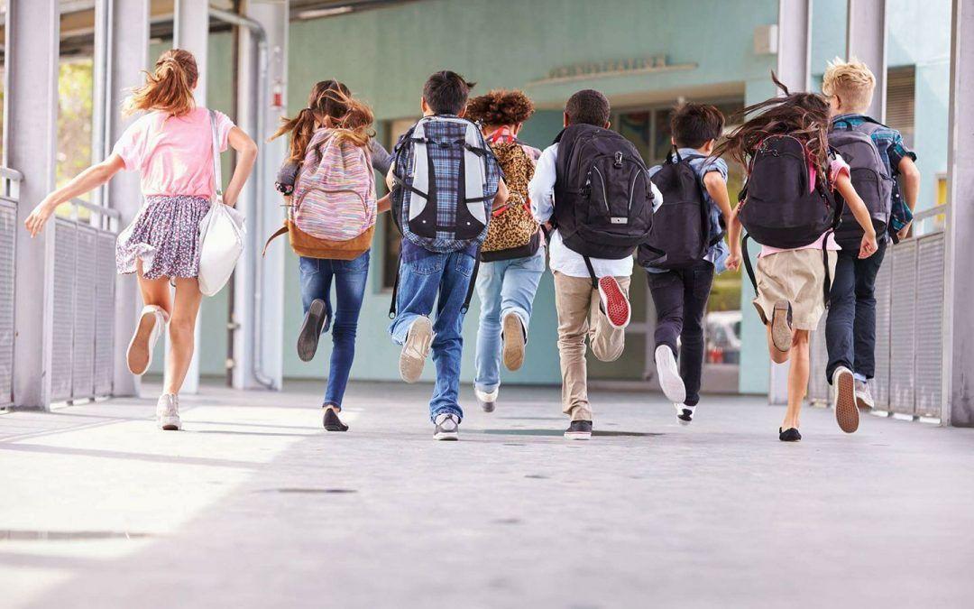 Nova mjera za pomoć roditeljima u Metkoviću: Pola milijuna kuna za školarce – dobit će po 300 kuna za nabavu školskog pribora i materijala