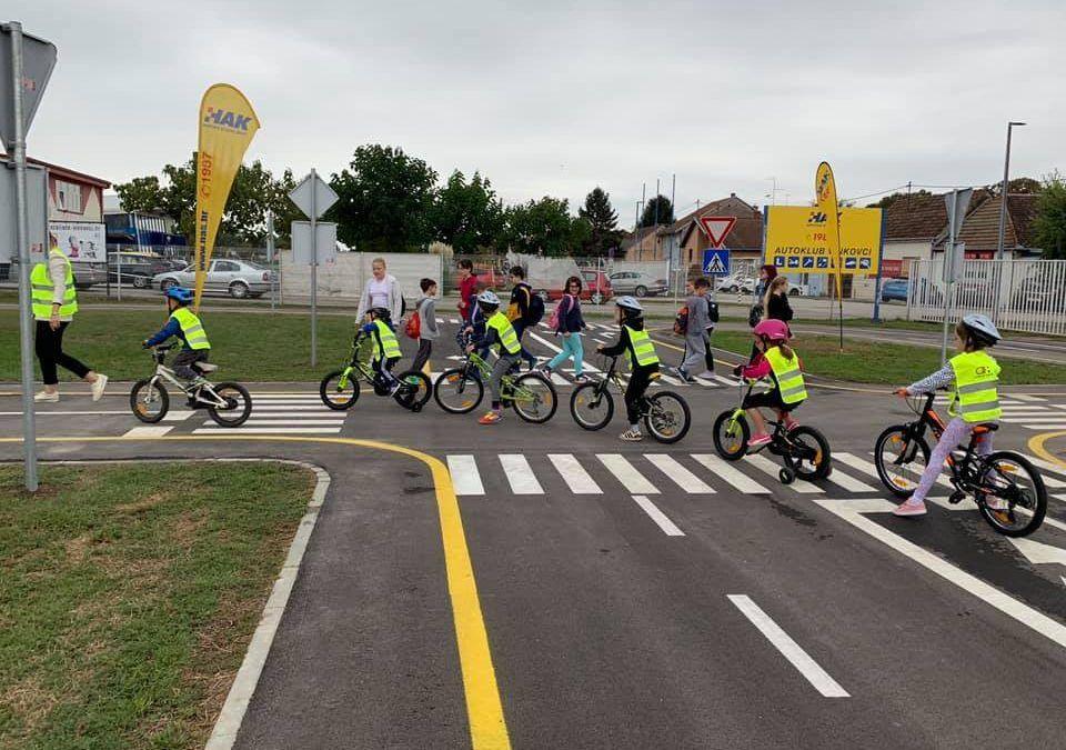 Vinkovci: Otvoren poligon vrijedan 1,1 milijun kuna na kojem će školarci i predškolci učiti o prometnim pravilima