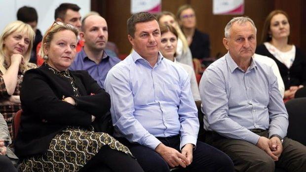 Jastrebarsko: Kroz EU projekt 'Zaželi' zaposleno 15 žena