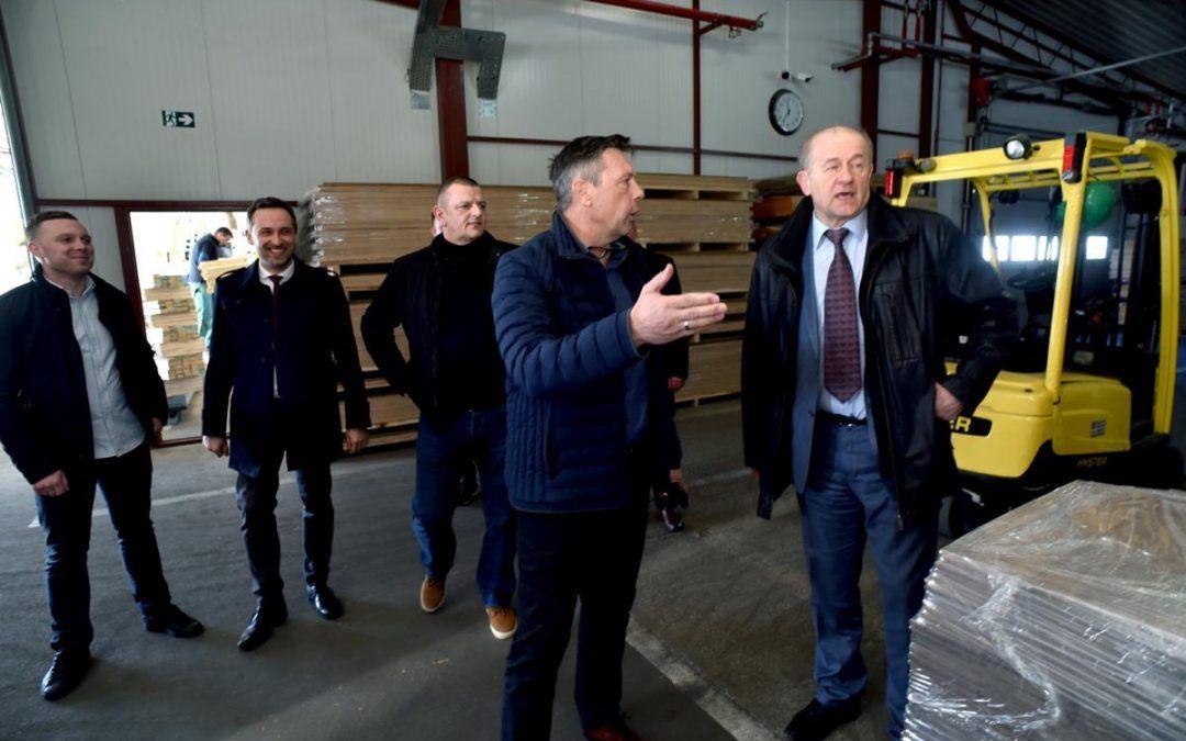 Novska: 1.500 zaposlenih u drvnoj industriji, očekuju se mjere za veći broj stručnog kadra