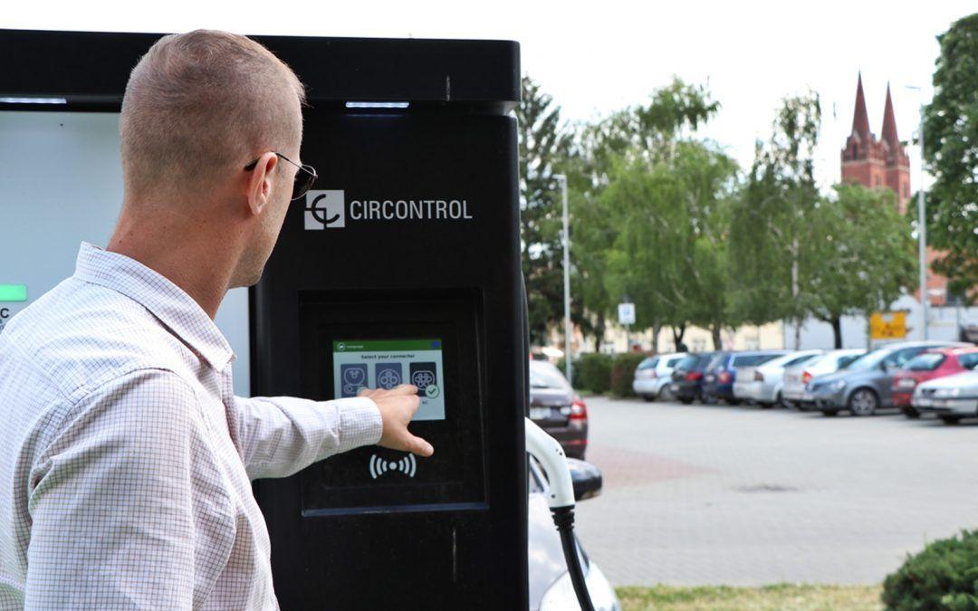 Đakovo: Punionica vozila na električnu energiju dostupna 0-24/7; usluga besplatna, a korisnici zadovoljni brzinom punjenja