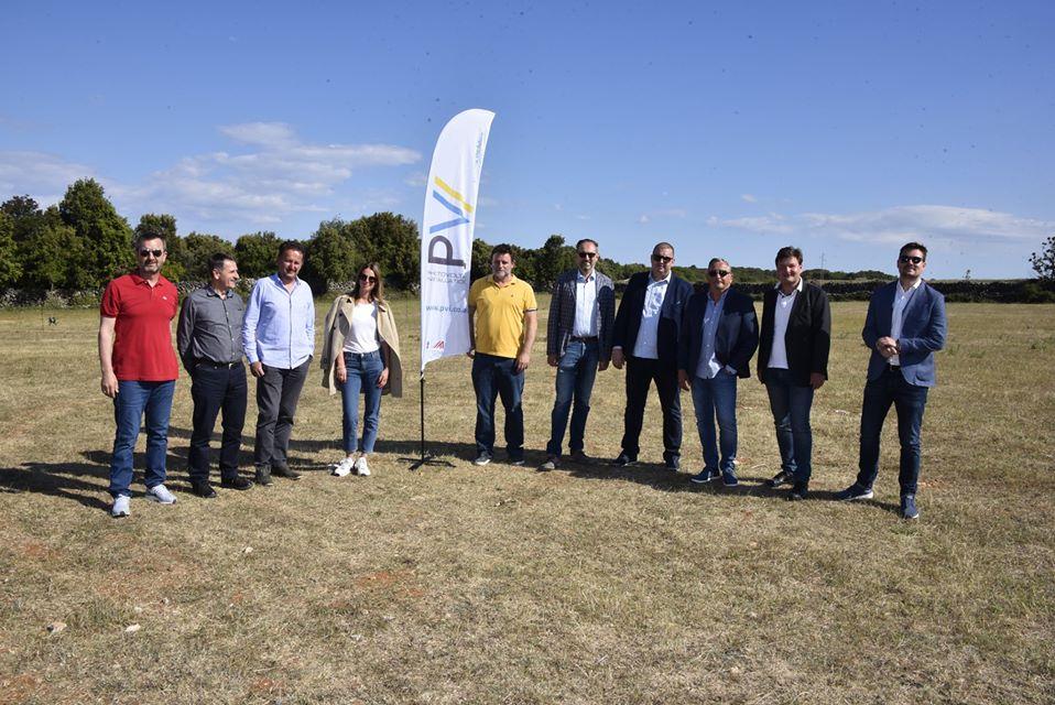 Cres: Krenula izgradnja najveće sunčane elektrane u Hrvatskoj, investicija vrijedna 45 milijuna kuna