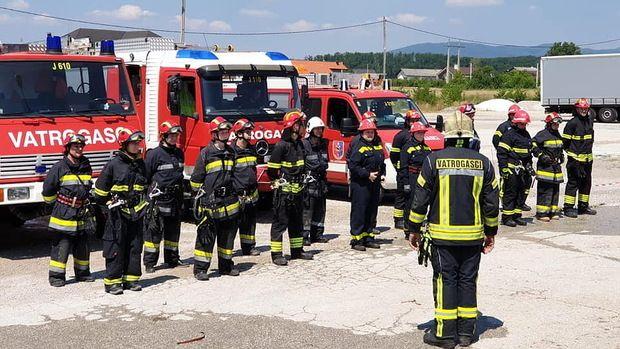 Jastrebarsko dobilo 17 novih operativnih vatrogasaca