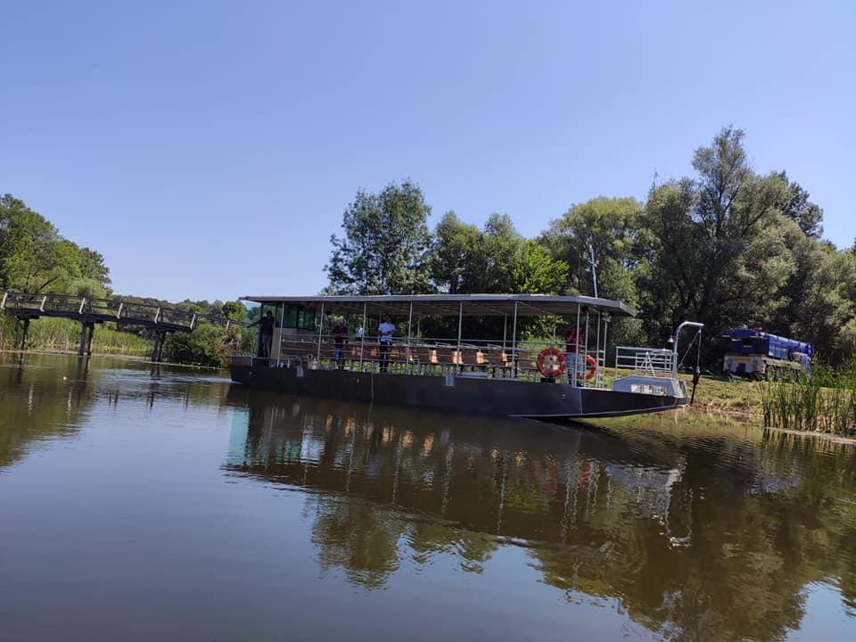 Otok: Dva nova turistička broda zaplovila Virovima