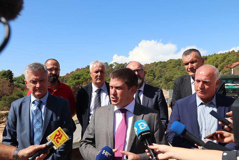 Šibenik: Ministar Oleg Butković obišao radove na čvoru Rokići, Grad u projektu Zelena Europa namjerava prijaviti projekt – žičara