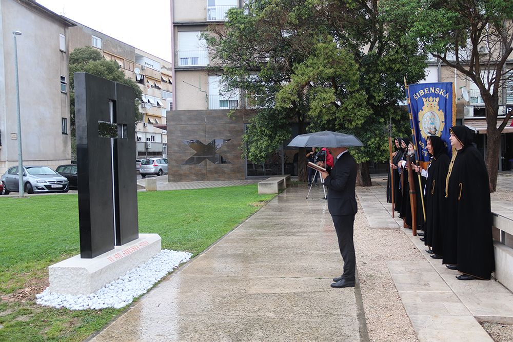Šibenik: Podignut spomenik poginulim braniteljima