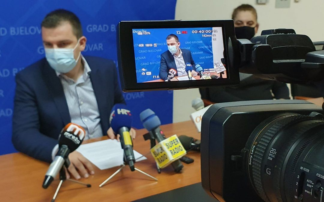 Bjelovar: Ukinut porez na potrošnju, ugostiteljima će se sufinancirati nabava grijalica za terase, neće plaćati korištenje javnih površina, prepolovljena cijena zakupa kućica i štandova…