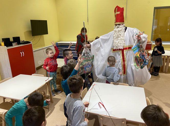 Grubišno Polje: Sveti Nikola obišao vrtić Tratinčica, darovi i malim nepolaznicima vrtića, udomljenoj djeci i osobama s intelektualnim teškoćama