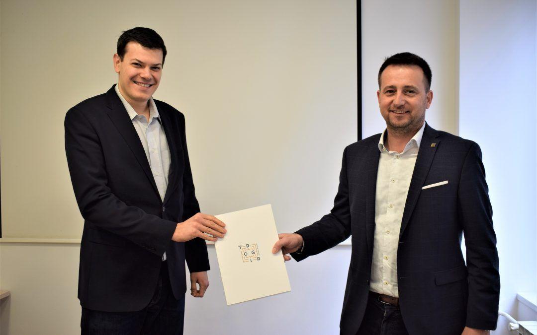 Trogir uvodi transparentni proračun – građani će preko aplikacije imati uvid u sve gradske račune i transakcije