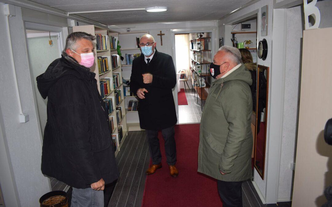 Petrinja: Prva hrvatska kontejnerska knjižnica- Gradska knjižnica i čitaonica otvorila svoja vrata