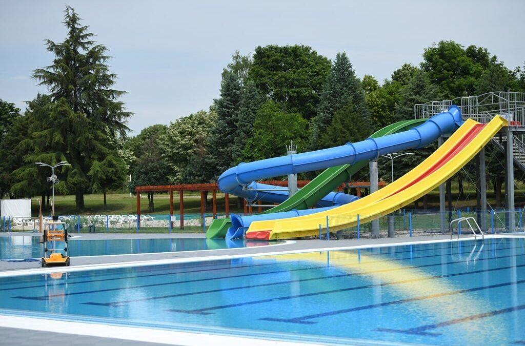 Beli Manastir: Uskoro se otvaraju gradski bazeni, pri kraju novi teren za mini-golf, a priprema se i onaj za badminton