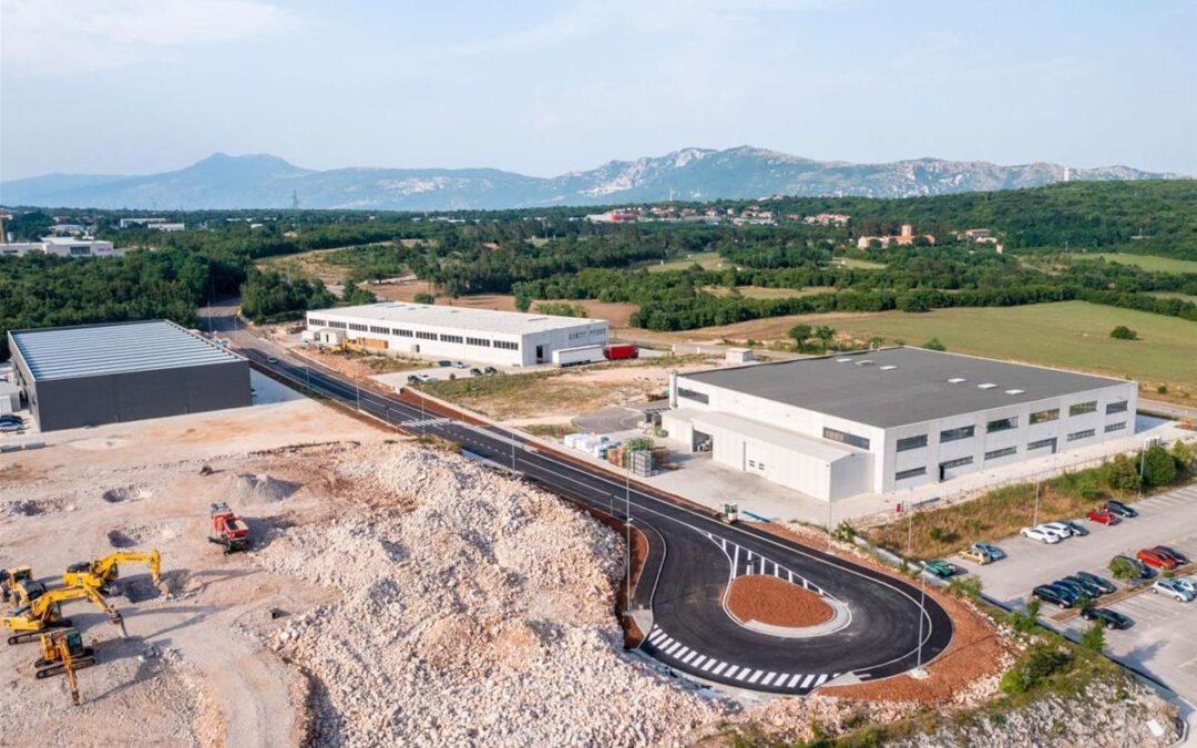Labin: Izgrađena prometna infrastruktura u Poslovnoj zoni Vinež, gradi se nova tvornica koja će zaposliti 100 ljudi