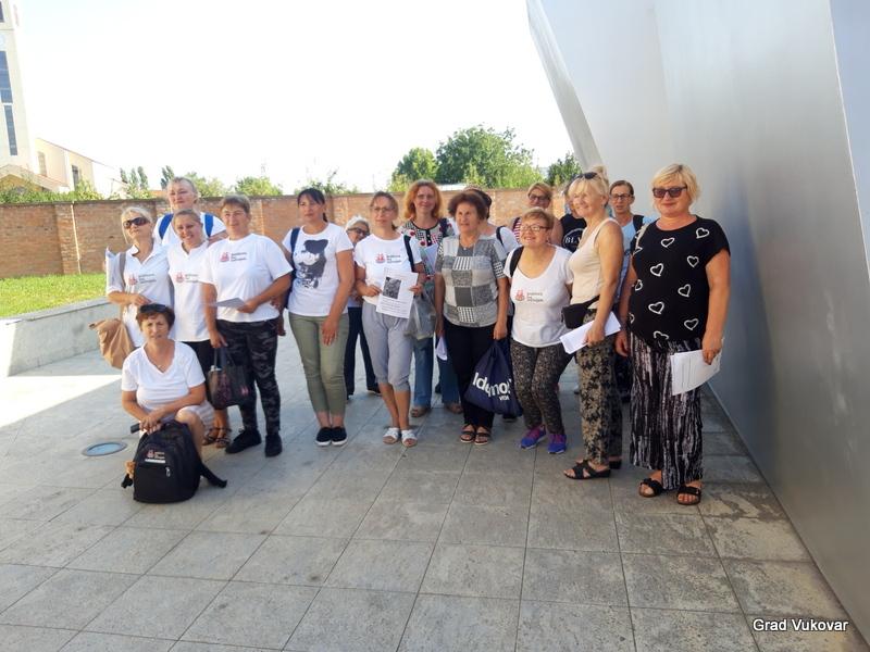"""Vukovar: U sklopu projekta """"Zaželi"""", zaposlenice dodatno educirane o ekološkoj proizvodnji voća"""