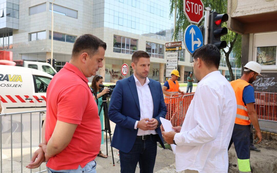 Osijek: Kreće 2,5 milijuna kuna vrijedna cjelovita rekonstrukcija Istarske ulice- kolnik, parkovi, kanalizacija, vodoopskrba…
