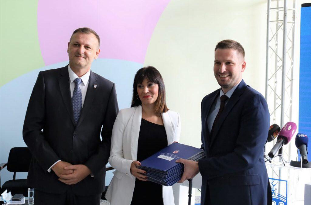 Osijek: Još 24 milijuna kuna za 16 EU projekata – energetske obnove vrtića, IT park, infrastruktura u zoni Nemetin….